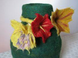 Corsi lavorazione feltro Monza - Feltro lavorato a mano, realizzazione vaso