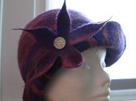 Cappello in feltro realizzato a mano